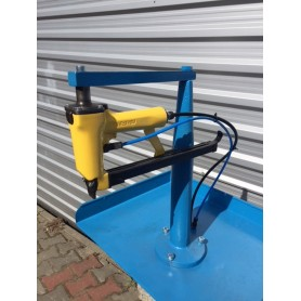 Staple gun trailer liner nailing nailer