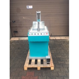 Upper molding machine IRLECH blocking machine