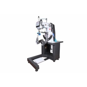 FAMAS - 2000 AT DOUBLE THREAD SOLE BOTTOM SEWING MACHINE (WITH SPOOL)